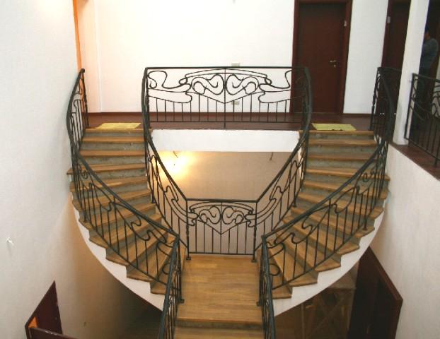 Кованое ограждение на лестницу и проём
